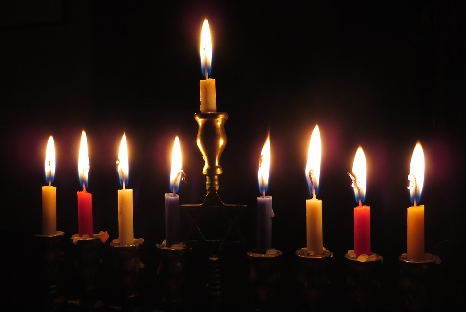 Christmas or Hanukkah – Can it be both?