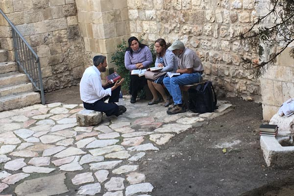 rabbi-with-students-jerusalem